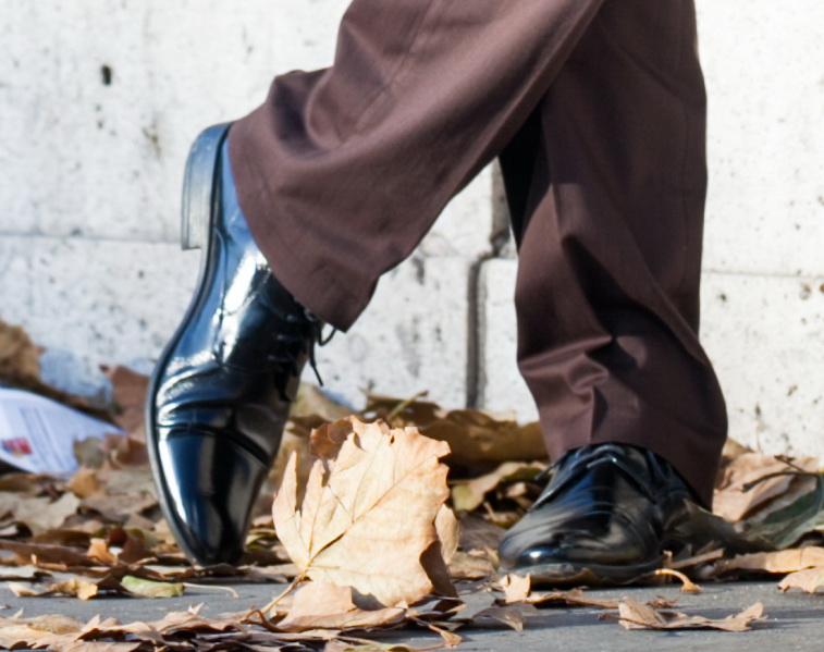 Dobieranie butów do garnituru ? jaki kolor butów pasuje do różnych kolorów garnituru